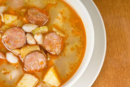 Soupe aux légumes et au chorizo - Châtelaine