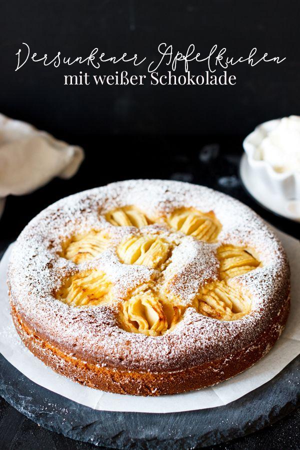 Versunkener Apfelkuchen mit weißer Schokolade
