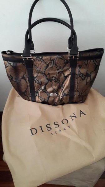 Brand New never been used Dissona Genuine Leather Italian Handbag (worth  R2500.00)