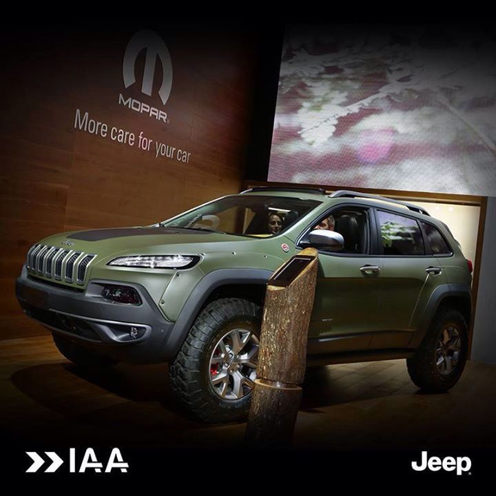 Extremalnie off-roadowy! Odkryj Jeepa Cherokee KrawLer dodatkowo wyposażonego w akcesoria Mopar! #Jeep #Frankfurt2015 #Off-road #Cherokee #KrawLer