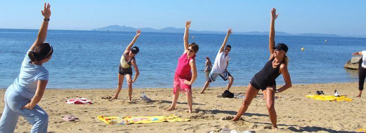 Un camping familial avec accès direct plage pour faire du #Yoga ? il s'agit du camping qualité le Pansard ! #Var #PACA  https://campingqualite.com/campings/camping-les-embruns/ #campingqualité #1photo1camping