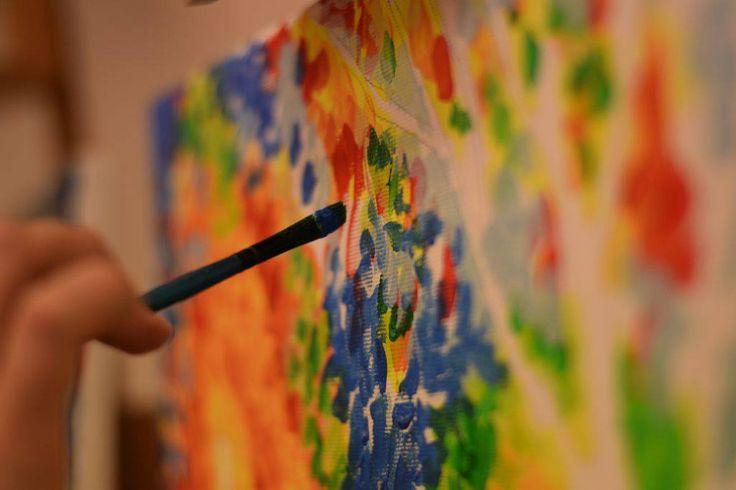 Festés pillanata #alkotasutca #elmenyfestes #art #painting #creativity
