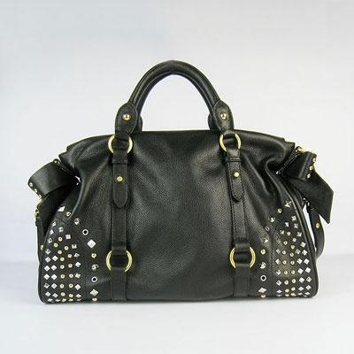 Miu Miu #handbag #bags #miumiu #fashion #black #edgy