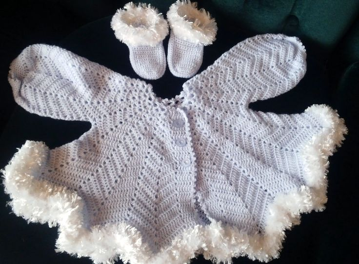 Baby wear,light blue with white 'fur',  handmade by Merle, for baby or reborn dolls.