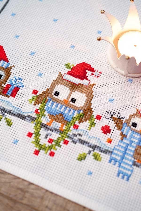 Borduurpakket tafelloper Kerst Grappige Uiltjes - Vervaco    Handwerk.nl