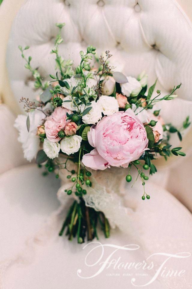 Soft pink peony bridal wedding bouquet #greenery#romantic#flowers#rose