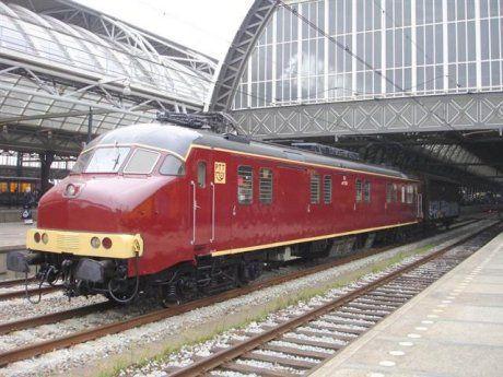 Dutch postal engine trains. #dutch #trains