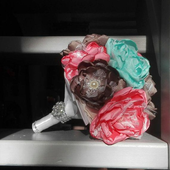 Hoi! Ik heb een geweldige listing op Etsy gevonden: https://www.etsy.com/nl/listing/291581901/bruidsboeket-stof-koraal-mint-bruin