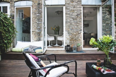 Decks Time, Terraces Stones, Gardens Style, Living Spaces, Backyards Decks, Stones Wall, Windows Terraces, Outdoor Spaces, Apartments Living