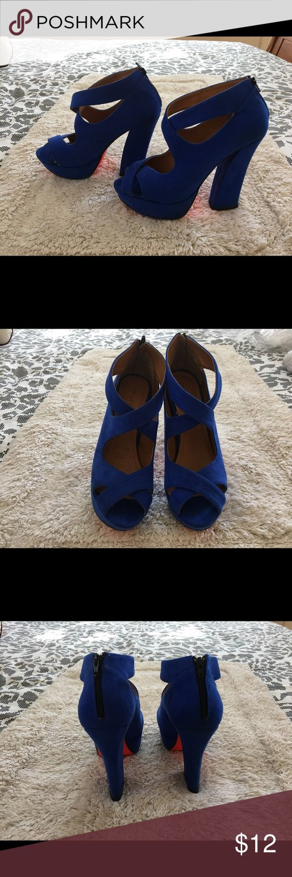 Royal blue pumps Suede royal blue heels, size 7, good condition. Shoes Heels