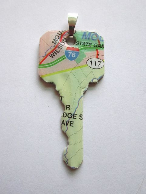 Map Key: Keys Maps, Altered Keys, Travel Roadtrip, Keys Charms, Travel Tips, Keys Art, Keys Necklaces, Maps Keys, Maps Travel