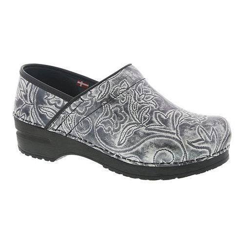 Women's Sanita Clogs Professional Ivy Closed Back Clog Embossed Patent