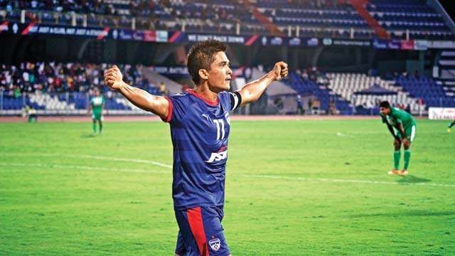 Bengaluru FC have retained the services of Sunil Chhetri and Udanta Singh with the duo penning three-year deals with the club, keeping them in the Garden City till 2020