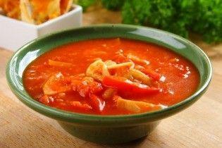 Spanyol fokhagymás leves, fokhagymás pirítóssal