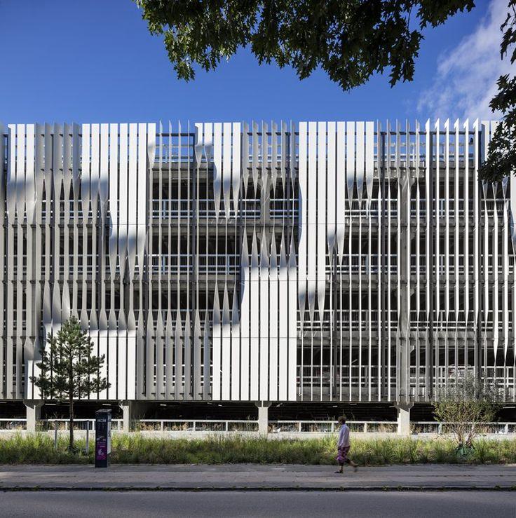 Rigshospitalet's Parking Garage, Copenhagen, 2015 - 3XN Architects - http://www.archilovers.com/projects/169215?utm_source=lov&utm_medium=email&utm_term=p1_3&utm_content=projects&utm_campaign=lov_news