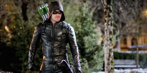 What Stephen Amell Thinks An Arrow Movie Should Be About #FansnStars