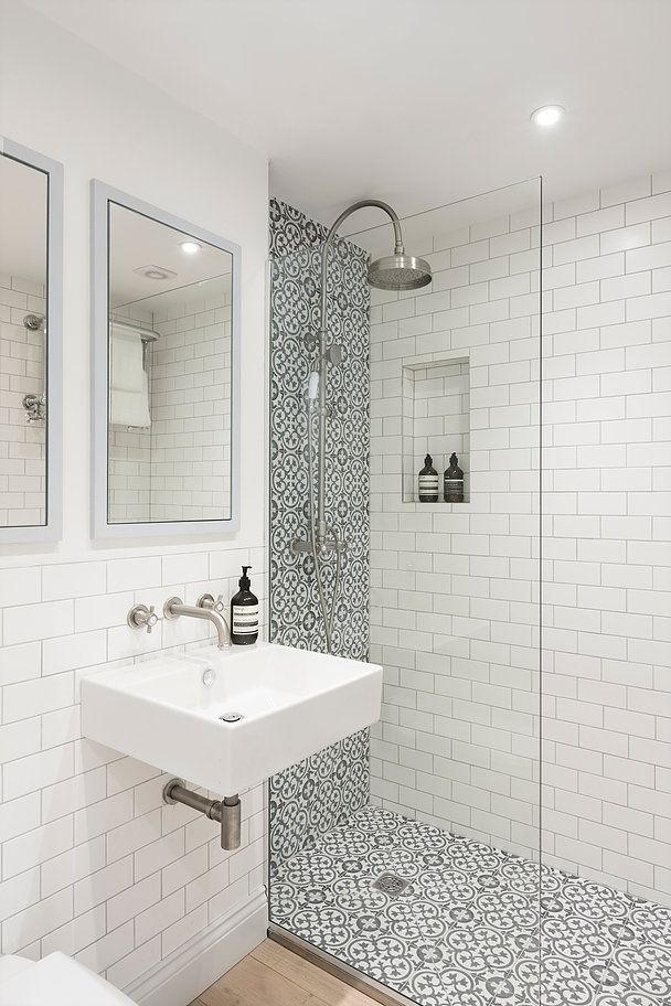 White Bathroom Ideas An All White Shade Scheme Makes Any Bathroom A Serene Resolving R Small Bathroom Makeover Bathroom Remodel Shower Bathroom Remodel Tile
