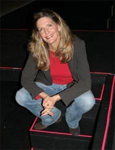 Pam Grout 16 könyv, három színdarab, egy tévésorozat, és két iPhone alkalmazás szerzője.