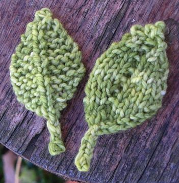 Knitting Pattern For A Small Leaf : 17 Best images about Holiday crafts on Pinterest Free ...