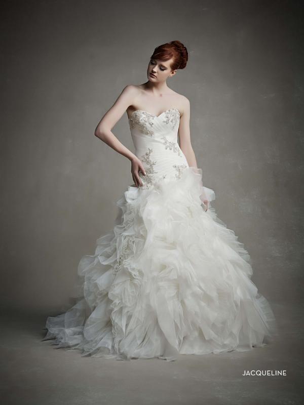 #Enzoani #weddingdress #bridalgown #2015 #Jacqueline #eskuvo #eskuvoiruha #menyasszony #menyasszonyiruha