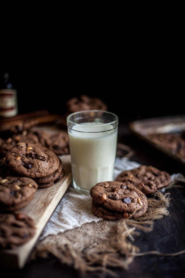 Adventures in Cooking: Malted Hazelnut & Nutella Chocolate Chip Cookies - Easy Recipes & Dessert Nutella Chocolate Chip Cookies, Café Chocolate, Chocolate Caramels, Chocolate Brownies, Milk Cookies, Cookies Et Biscuits, Baking Cookies, Cookies Vegan, Cookie Fit