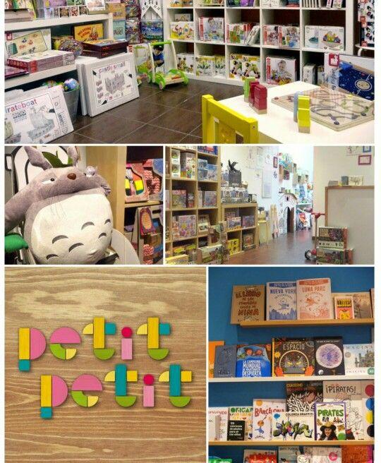 Petit petit. Joguines i llibres.  C/ Torrent De l'Olla, 36. Gràcia. 08012 Barcelona