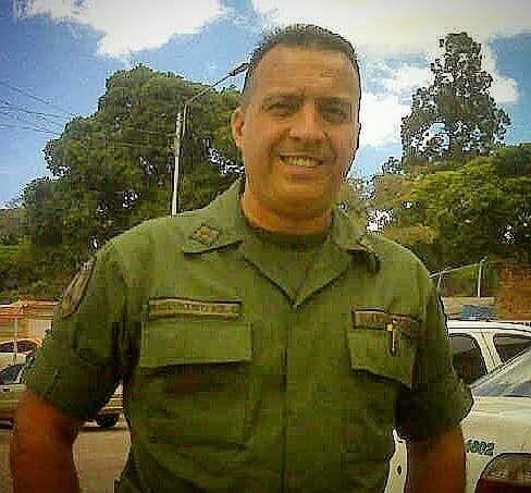 """A Eduardo Rodríguez Gil, in memóriam. La dictadura es más letal que un cáncer la bala de la represión es más eficaz que una enfermedad y más rápida. En el Junco, Táchira, asesinaron al """"Loco …"""