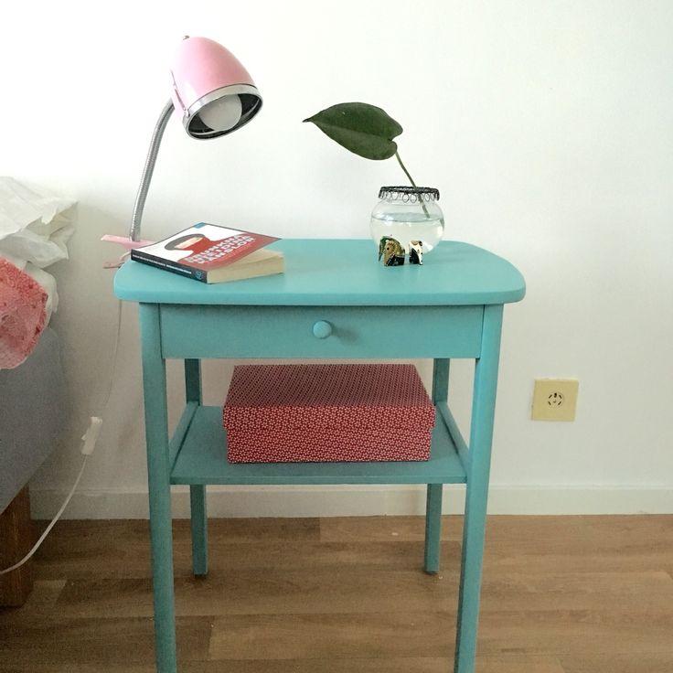Målats m Chalk Paint Provence nattduksbord bedside table