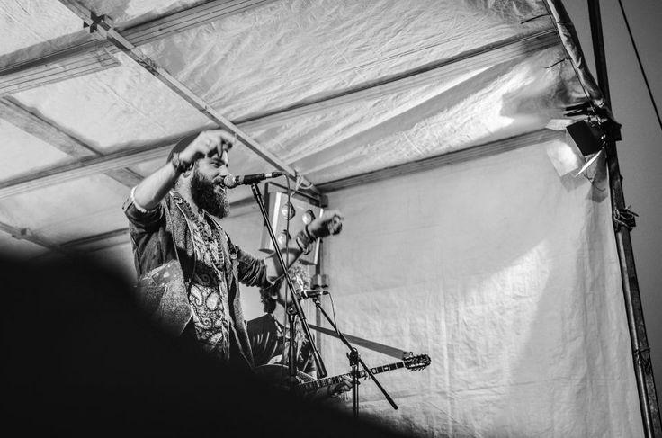 Francesco Bertoletti    ROCK IN RIVA 2017, Abbadia Lariana. Folkabbestia, C'esco e i Musicanti di Brahma, Bianchi Sporchi, Minipony. Fotografie di Chiara Arrigoni.    #RockinRiva #Lecco #livemusic #blackandwhite