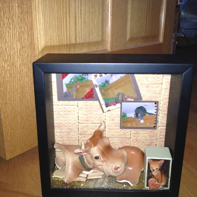 My cookie jar from my mother that my cat Tess Anne broke I made a shadow box of the broken pieces: Cookie Jars, Cookies Jars