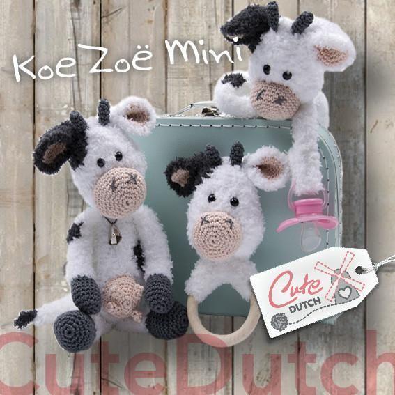 Haakpatroon voor babyset mini koe Zoë. Deze set is gemaakt met Catona van Scheepjeswol en Teddy Aran van RicoDesign op haaknaald2 ½ en 3 ½ en mini koe Zoë word