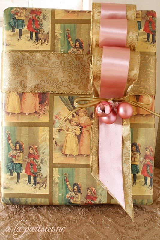cute cute cute- vintagey victorian style wrapping: Romantic Gifts, Creative Gifts, Vintage Christmas, Gifts Wraps Bows, Giftwrap, Victorian Christmas, Victorian Design, Wraps Ideas, Vintage Style