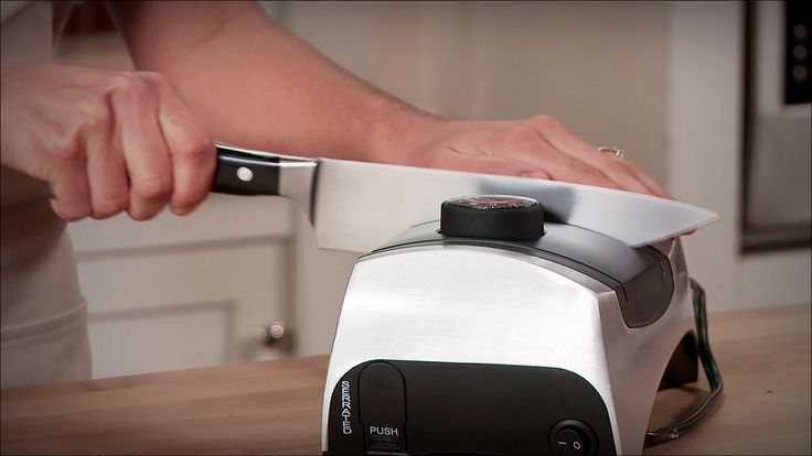 KitchenIQ 50353 Angle Adjust Adjustable is a professional Electric Knife Sharpener. This is a versatile edge sharpener. It will hone basically every front line in the edge piece to the fundamental get ready plant quality edge. It works successfully