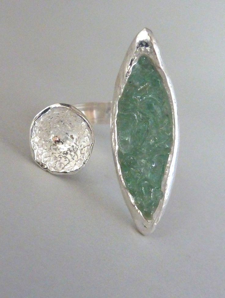 Ring, Art Clay silver, silver, carglass, resin,  Anita Braat-Hopstaken Passions Jewellery Design