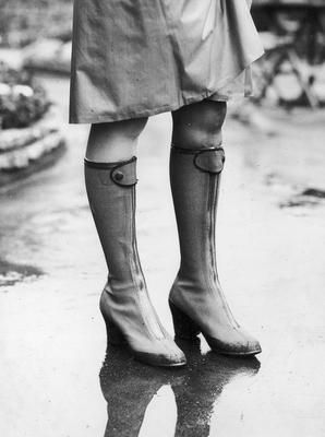 English shoes, russian style, 1928.