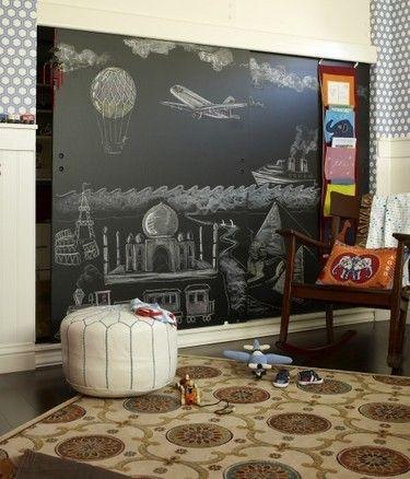 closet doorClosets Doors, Chalkboard Walls, Chalkboards Painting, Kids Room, Chalkboard Paint, Painting Wall, Chalk Boards, Painting Ideas, Chalkboards Wall