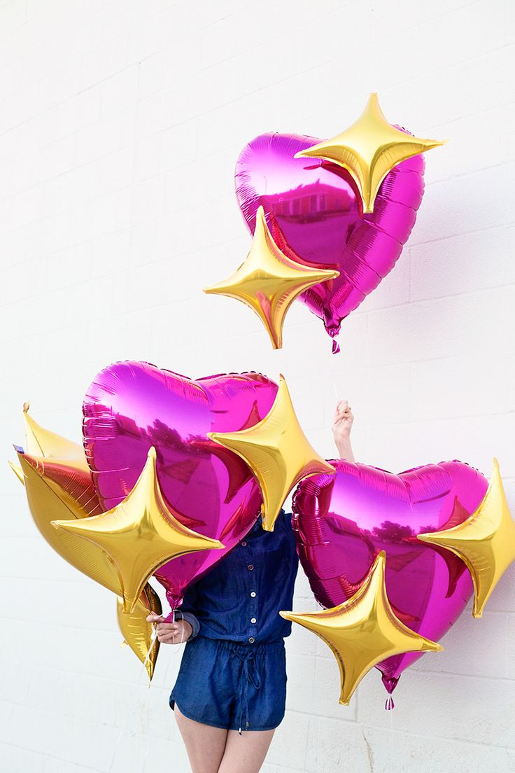 DIY Emoji Heart Balloons . cute party idea . or . for a sparkly valentines .
