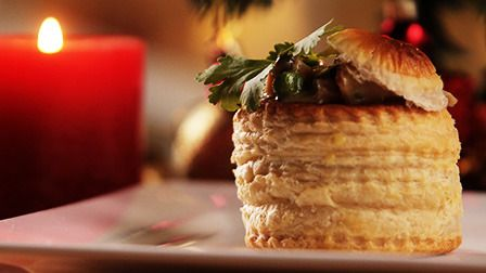 Never waste that leftover turkey again with this very easy and delicious recipe using crunchy vol-au-vents and a few other ingredients that you probably have lying around the kitchen. Watch the vid...