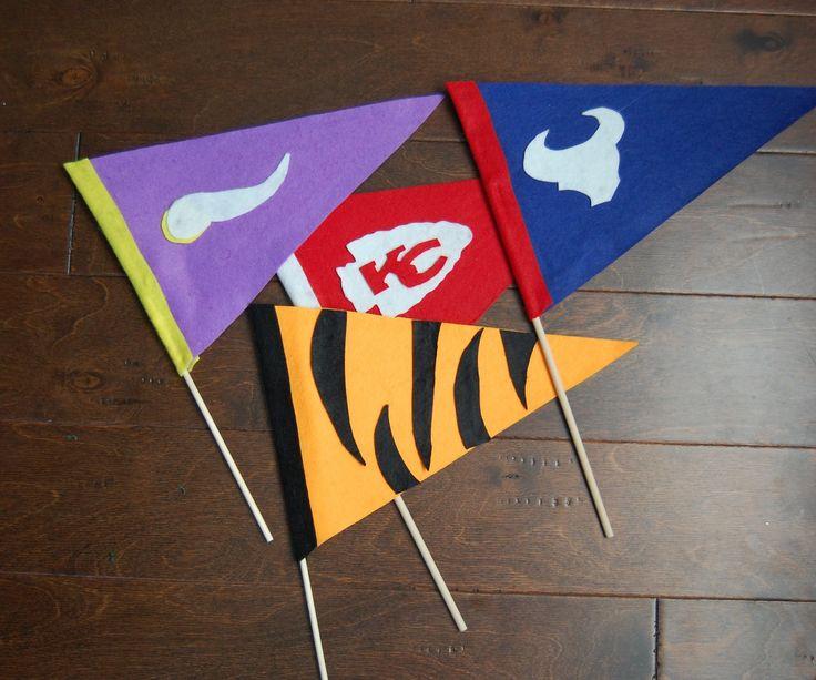 DIY Felt Pennant Team Flags