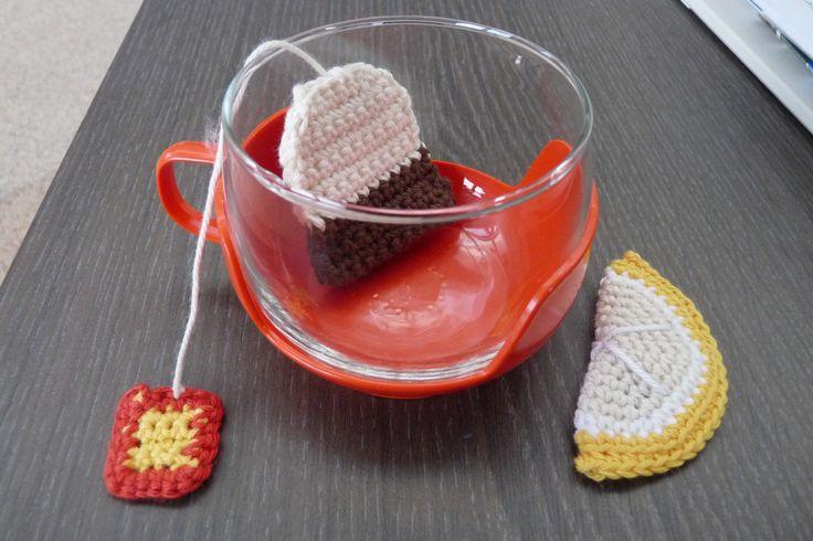 Theezakje en schijfje citroen. Patroon: High tea haken / Christel Krukkert. Februari 2013.