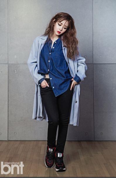 bnt화보에서 한승연이 스베누 B라인 블랙스파이더를 착용해주셨습니다 :D   #스베누 #sbenu #한승연 #카라 #블랙스파이더 #스베누b라인 #idol #패션 #아이템