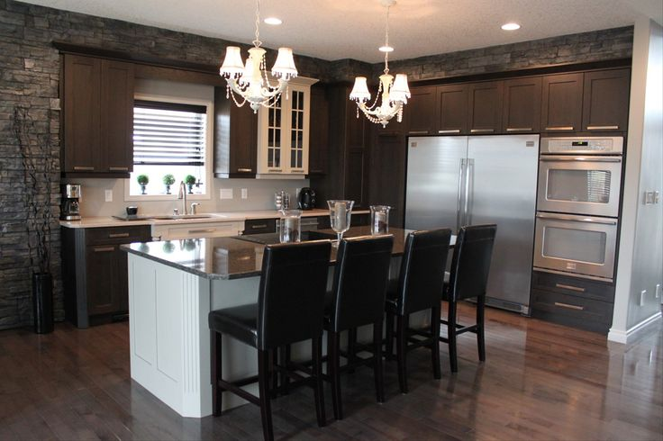 Elegant Bakersfield Cabinets and Woodworks