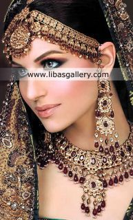 You'll certainly make a lasting impression on your wedding day in this eye-catching bridal jewellery.Online Shopping #UK #USA #Canada #Australia #SaudiArabia #Bahrain #Kuwait #Norway #Sweden #NewZealand #Austria #Switzerland #Germany #Denmark #France #Ireland #Mauritius and #Netherlands #Pakistan #India  #Scotland #Dubai #Qatar  #designerjewelry #fashion #designerwear #jewels #jewellery #jewelry #easternbride #bridaljewelry #designerwear #classic #traditional ❤ See more: www.libasgallery.com