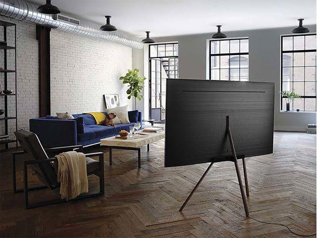 Tan sólo un año después del lanzamiento de su televisor SUHD Samsung se abre paso en una era en donde los televisores QLED reproducen un volumen de color al 100% lo que significa que expresan todas las tonalidades a cualquier nivel de brillo incluso con diferencias de color más suaves pues alcanza hasta 2000 nits. @samsungmexico #samsung #tv #televisión #pantalla #LED #QLED #SUHD #HighDefinition #televisores #imagen  via ROBB REPORT MEXICO MAGAZINE OFFICIAL INSTAGRAM - Luxury  Lifestyle…