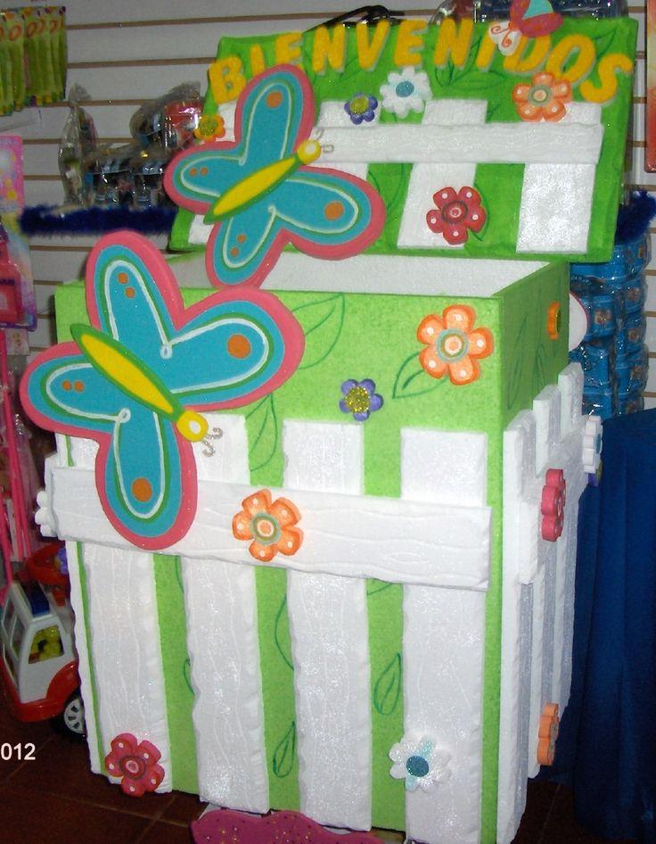 Caja de regalos y Bienvenido Mariposa y Flores