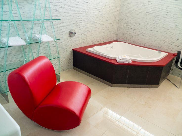 Retro Suites Hotel - Chatham, ON   SuitcaseandHeels.com
