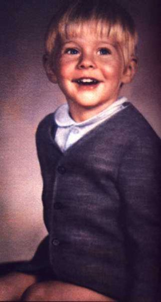 Kurt Cobain so young and he seems so happy<3