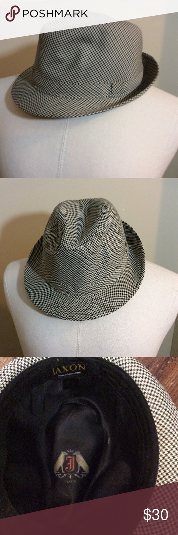 NWOT MEN'S JAXON HATS HOUNDSTOOTH FEDORA Make this yours! JAXON HATS HOUNDSTOOTH FEDORA!  Shipping Policy:  Sent to you via USPS First Class, 1 Day after payment is received. jaxon Accessories Hats
