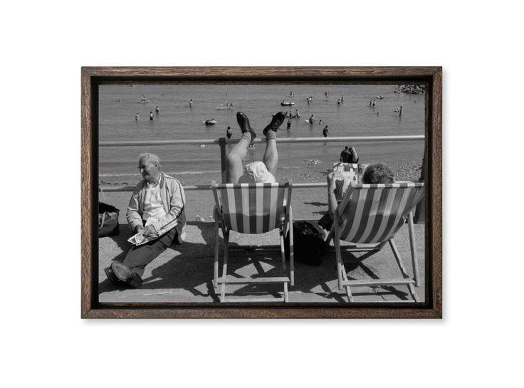 Sydmouth, plage CHRISTIAN SARRAMON  Grande-Bretagne, Sydmouth 1997. Collection Noir & Blanc Hemis Galerie - Photographies d'art & tirages signés.