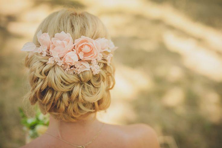 ゲストにもおすすめ!結婚式で花嫁が選びたいアップスタイルの髪型10選!